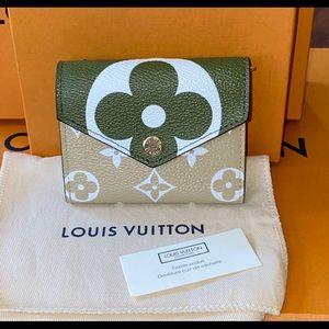 Authentic Louis Vuitton Zoe wallet Giant kaki